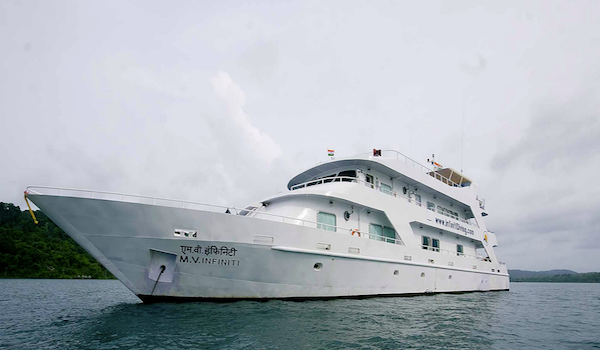Infiniti_liveaboard_andaman_islands_india