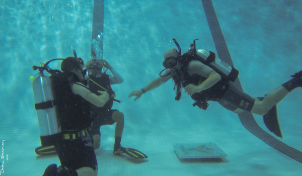 Here 39 s how to make a living as a scuba diver - Dive instructor jobs ...