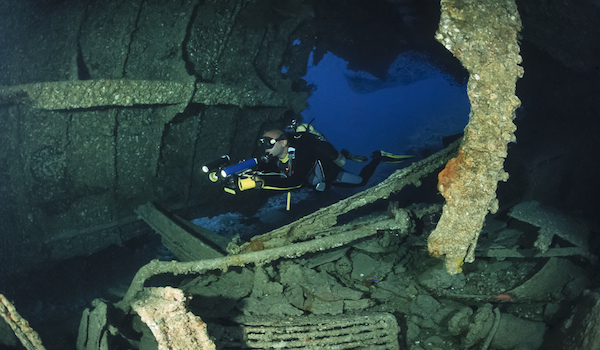 Scuba_dive_site_sudan__wreck_of_the_umbria