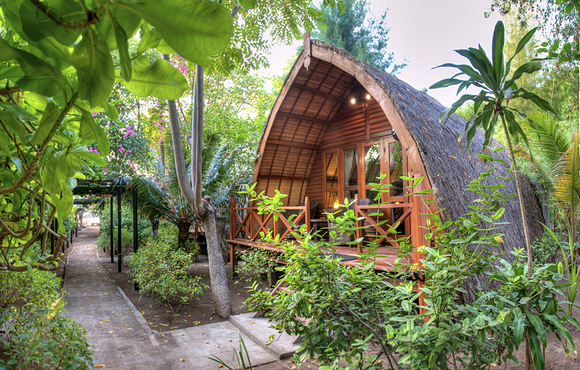 Manta-Bungalow-gili_air
