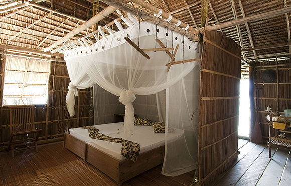 Superiour_Papuan_Cottage_interior