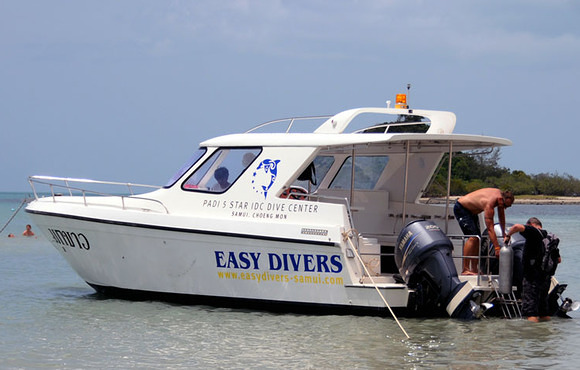 speed boat easy divers