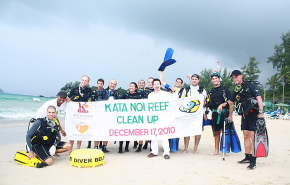 beach clean up thailand