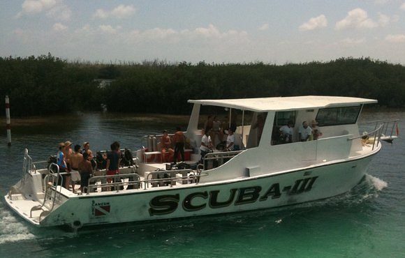 boat dive cancun