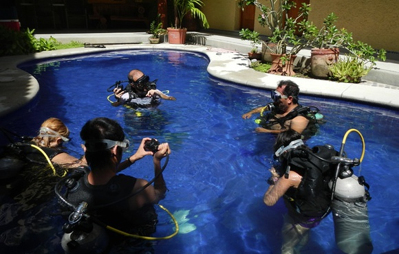 Scuba lessons with dive zihua