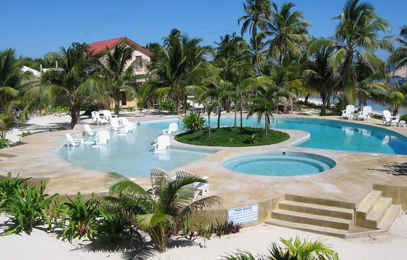 Scuba dive ambergris caye with portofino dive resort - Ambergris dive resort ...
