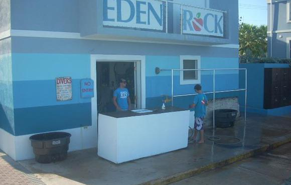 eden rock dive center grand cayman with