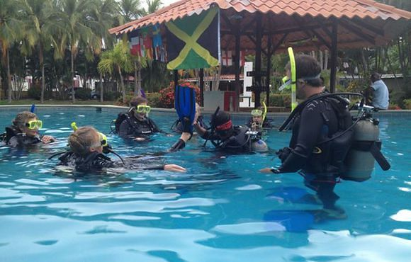 learn to scuba dive Costa Rica