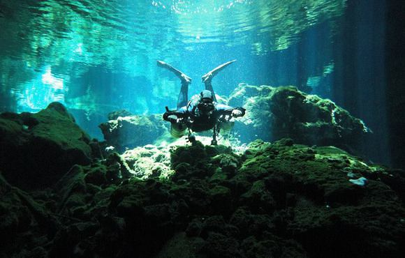 cenote scuba diving mexico