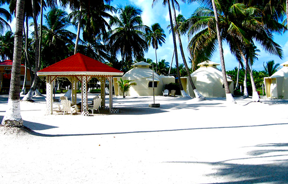 igloo cabins south water caye belize