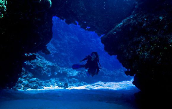 cavern dive greece