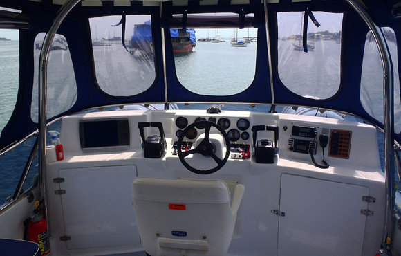 captains chair bali scuba dive boat