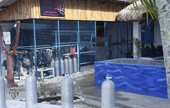 locker_room_scuba_dive_center_cebu