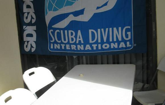 SDI_scuba_school_flag