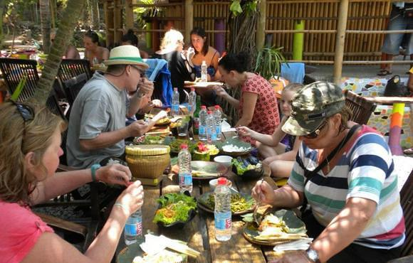 lunch_on_bali_dive_safari