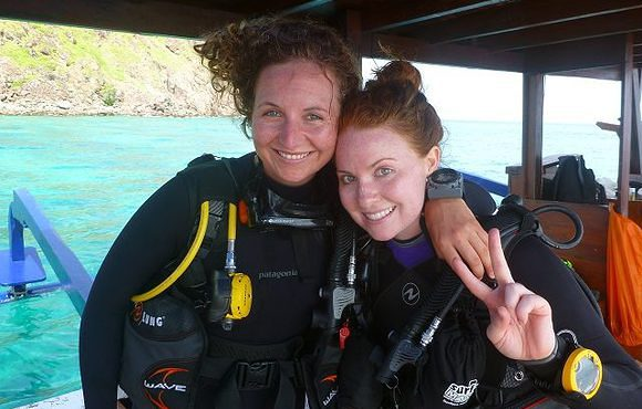 scuba_dive_master_girls
