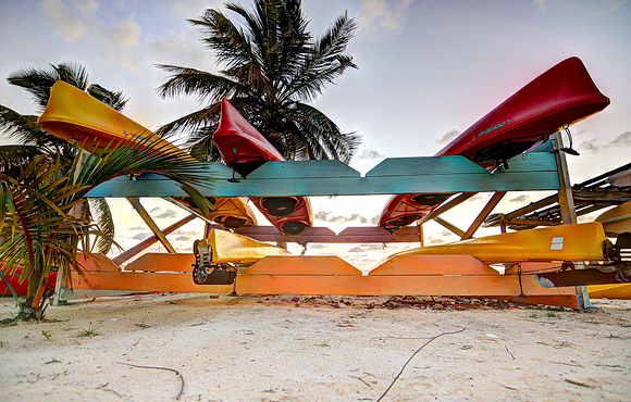 cano_black_bird_caye_resort_belize