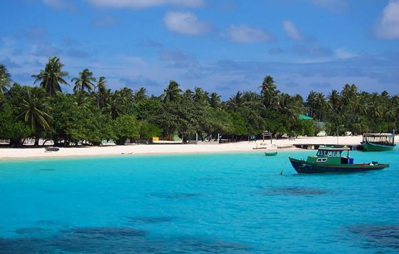 Felidhoo_in_the_Vaavu_Atoll