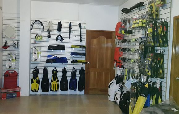 dive_shop_galapagos