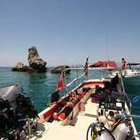 boat_dive_greece