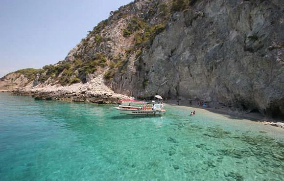 boat_excursion_greece