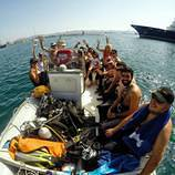 boat_dive_athens