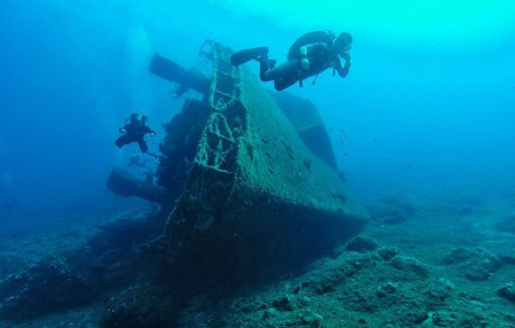 wreck_divers_athens