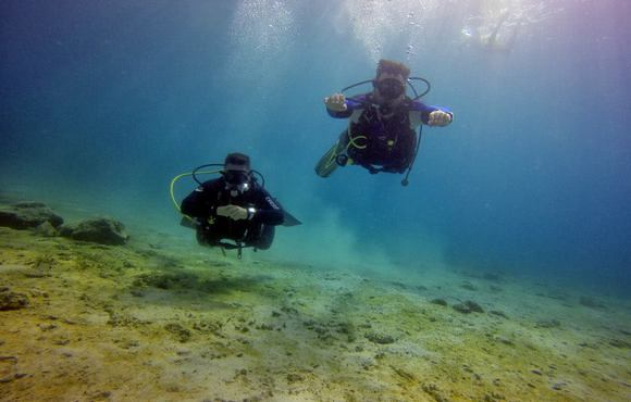 greece_scuba_divers