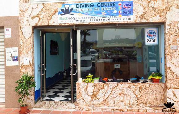 Black-Frog-Divers_torrox_diving_centreoutside-1