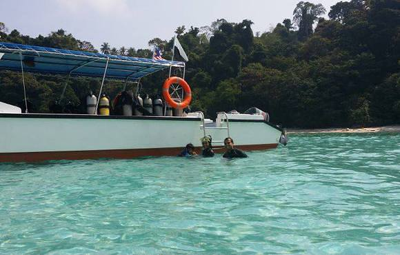boat_dive_tioman_islands