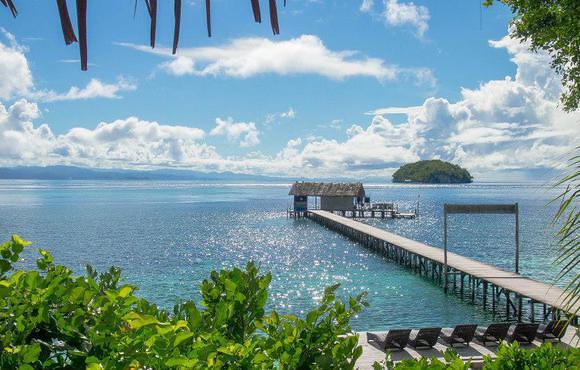 Scuba dive raja ampat with papua diving resorts kri eco resort - Raja ampat dive resort reviews ...