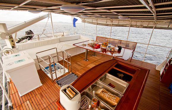 liveaboard_Upper_deck_3