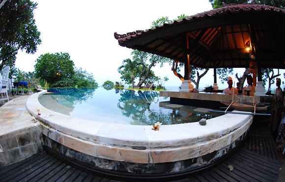 pool_restaurant_zen_resort_bali