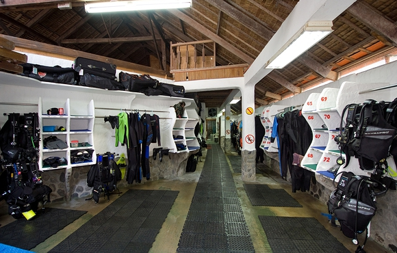 Dive_Center_gear_room