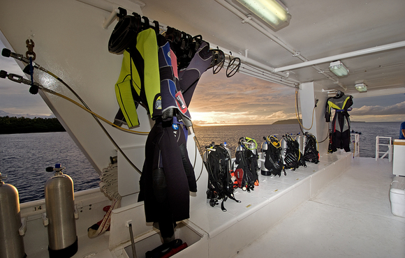 scuba_gear_on_liveaboard_vessel