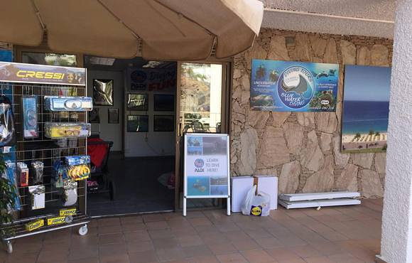 blue_water_diving_shop