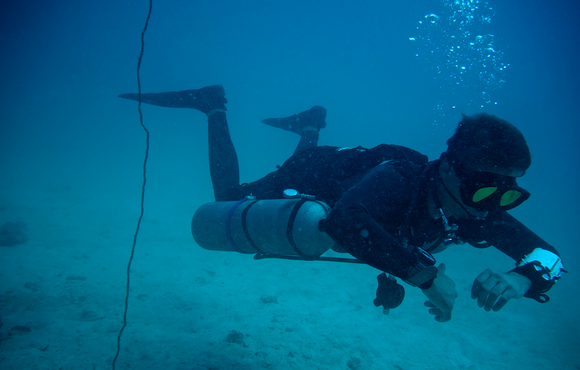 side_mount_diving