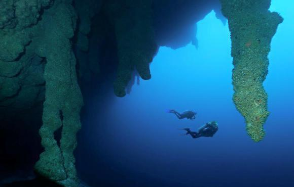 blue_hole_dive