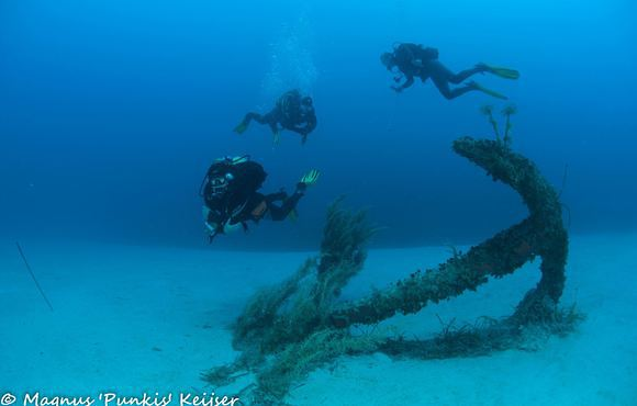 anchor_dive_malta